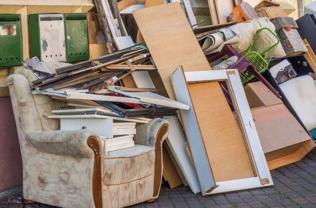 Four Ways Decluttering Can Create a Happy Home